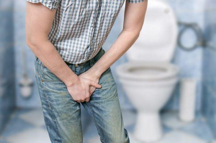 Penyebab Sakit Pinggang saat Menahan Kencing